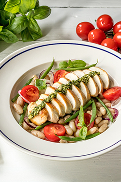 chicken-breast-with-haricot-beans-featured